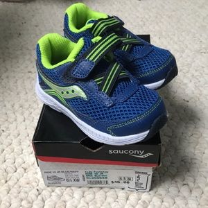Brand New Saucony Ride 10 Jr Sneakers size 6.5 XW